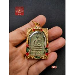 義賣強檔泰國佛牌釋出Somdej Amulet阿贊多督製瓦拉康崇迪佛曆2411稀世珍品泰國老佛牌特殊綠泥高貴金殼